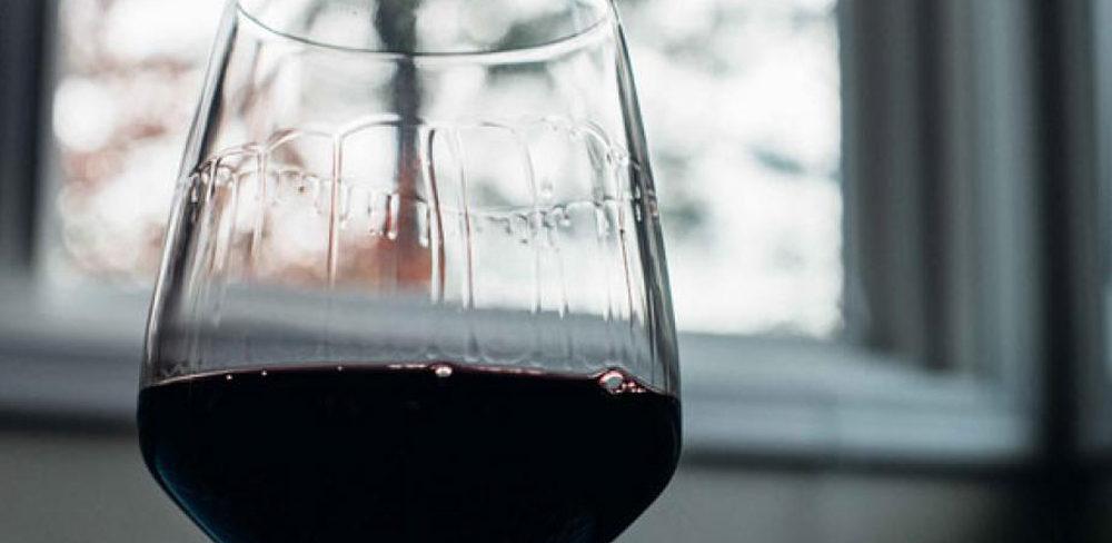 Què son les llàgrimes del vi i que ens expliquen d'un vi?