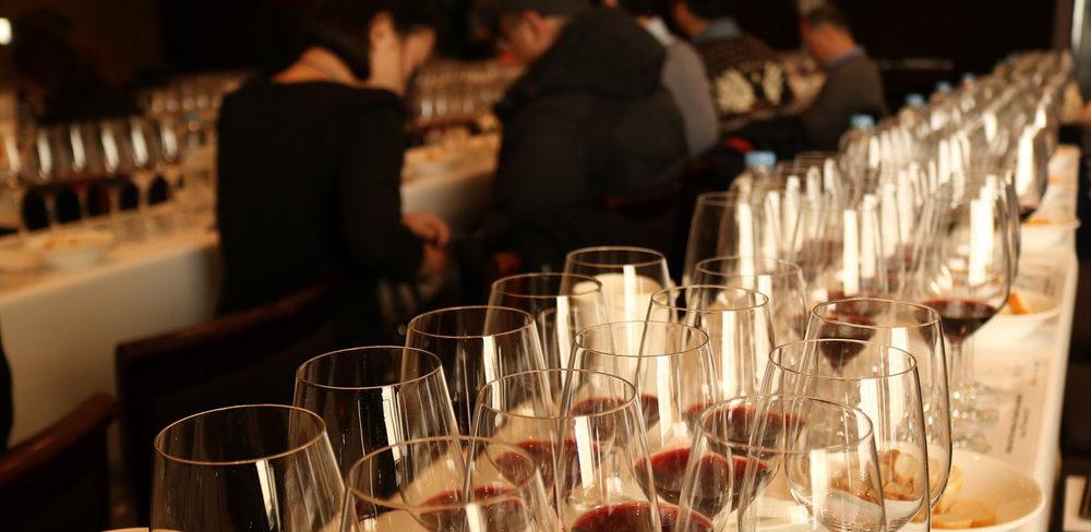 ¿Os imagináis ser aconsejados en vinos por una persona con estudios, conocimientos y experiencia en esta materia?